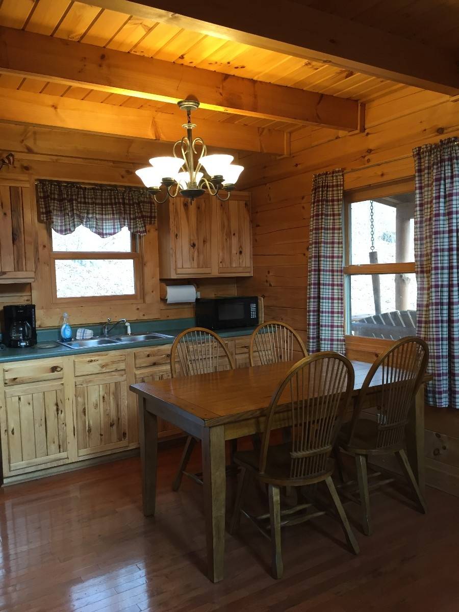 Acorn Cabin - Kitchen