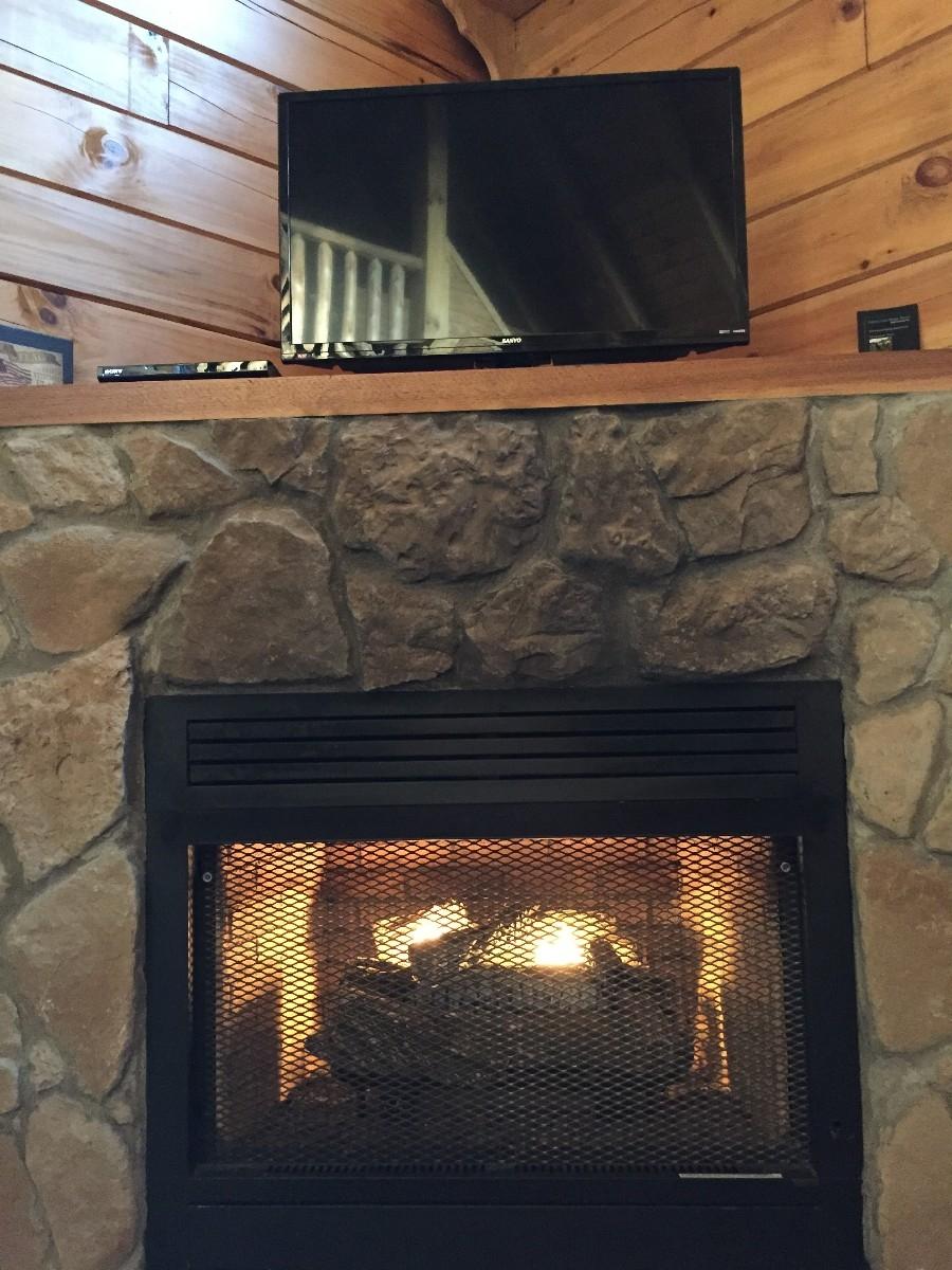 Beechwood Cabin - Fireplace