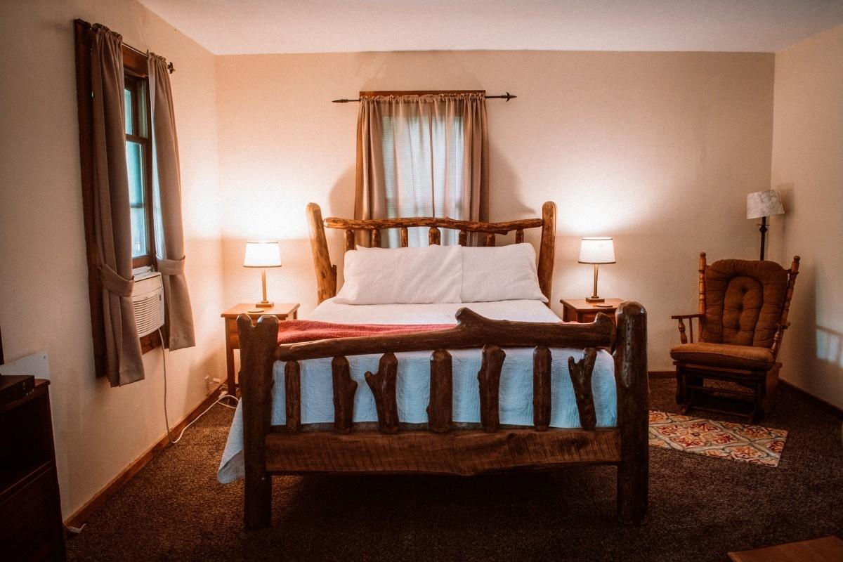 Queen Bed - Comfy Queen Bed