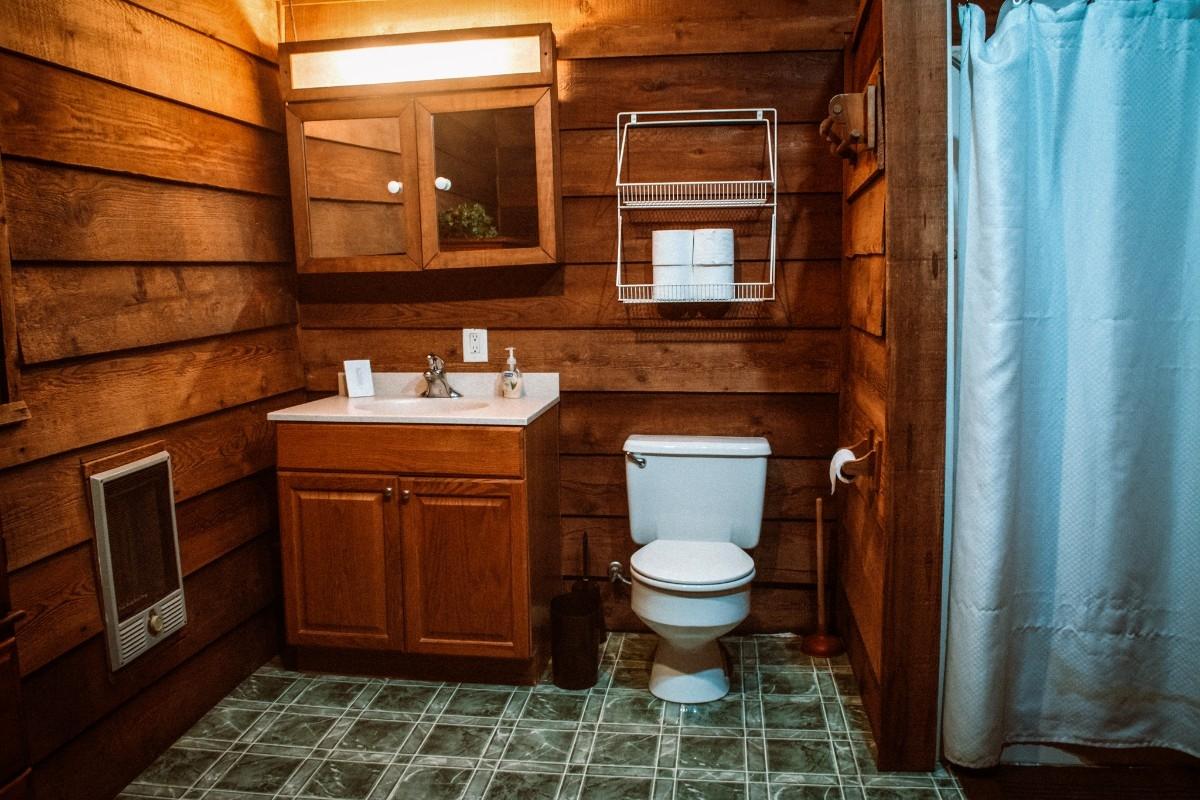 Lake Cabin Bathroom - Lake Cabin Bathroom