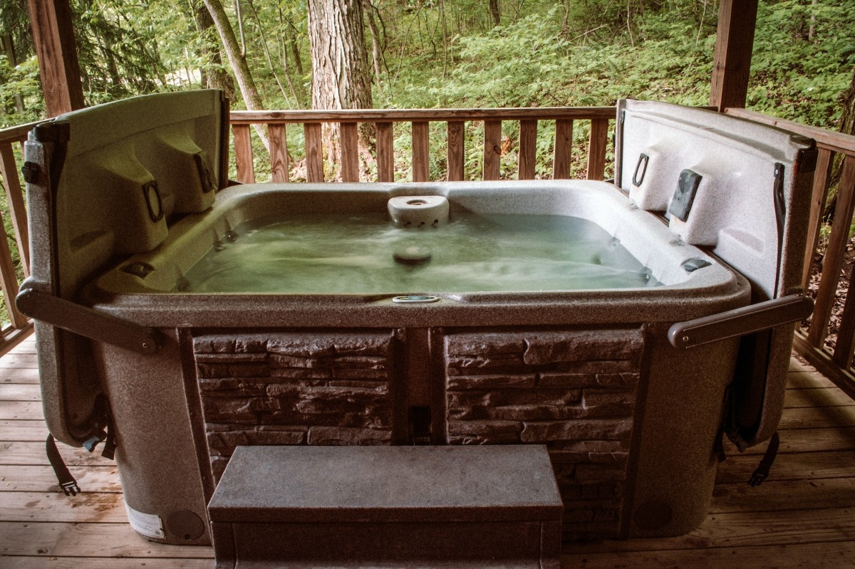 Hot Tub - Hot Tub for 2.