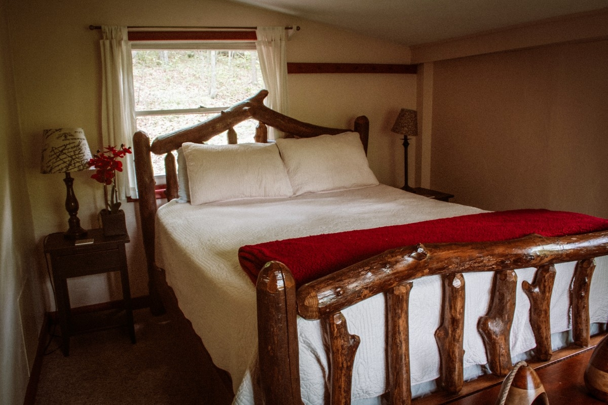 Bedroom - Queen Bedroom - Bedroom - Queen Bedroom
