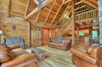 Westwind Lodge - 1st Floor Great Room