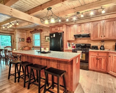 Starry Knight - Spacious and well equipped kitchen