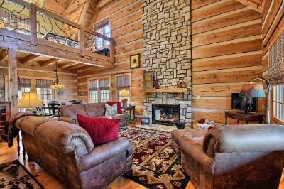 Rusty Horse Lodge - 1st floor great room