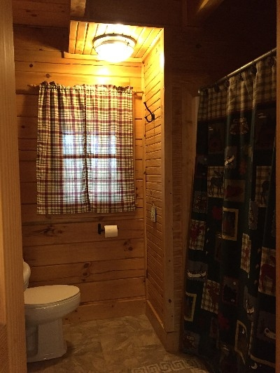 Beechwood Cabin - Bathroom