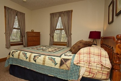 Main bedroom - With all the comforting sounds and views of nature, resting easy is an every night event.