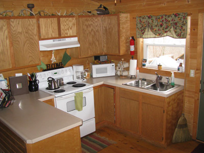 Twin Oak kitchen - All the cooking and eating supplies you need! Toaster, blender, microwave, coffee pot. If there is something you need that isn