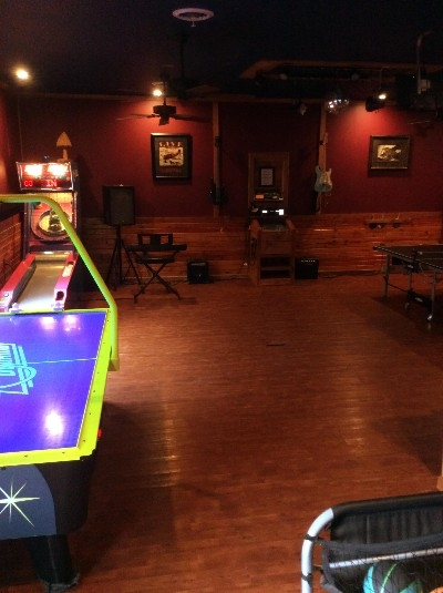 Wright Brothers Gameroom - Digital Pro Karaoke 11,000 song selection,pac man arcade, skiball, Commercial Airhockey, ping pong , pop shot. Musical instruments and more