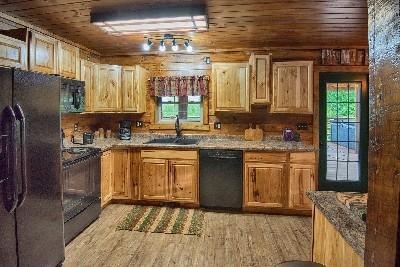 Treetop Kitchen - Full Service Kitchen
