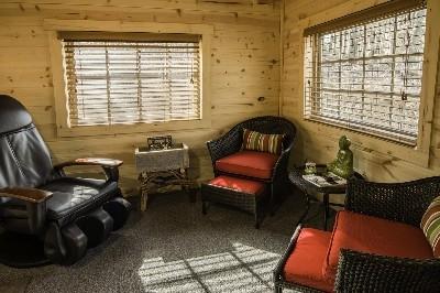 Creekside Serenity all-season/relaxation room