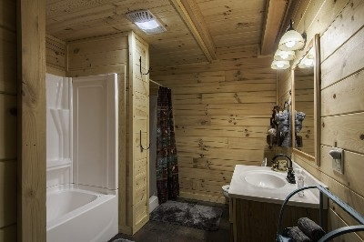 Creekside Serenity bathroom - jetted tub and stand-up shower