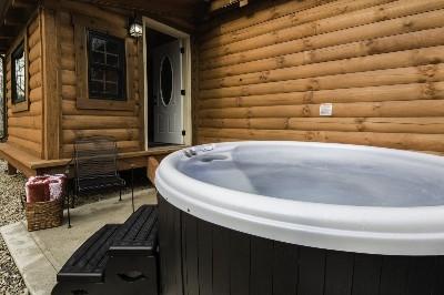 Creekside Serenity hot tub