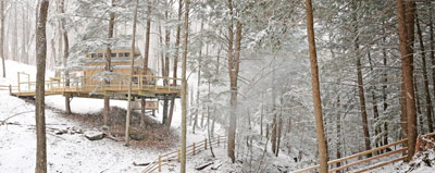 Maple Hocking Hills Treehouse - Amazing views of the gorge await you at the Maple Treehouse. The sounds  of birdsong and scenic viewsgreet you in the morning and be lulled to sleep by the babbling brook below at night.