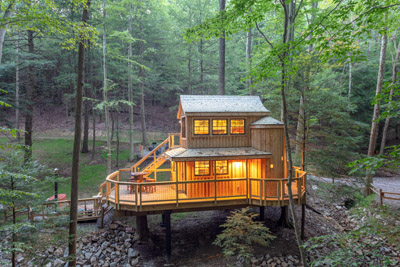 Beech Treehouse  Hocking Hills Treehouse Cabins - The Beech Treehouse is the perfect romantic getaway for two at Hocking Hills Treehouse Cabins
