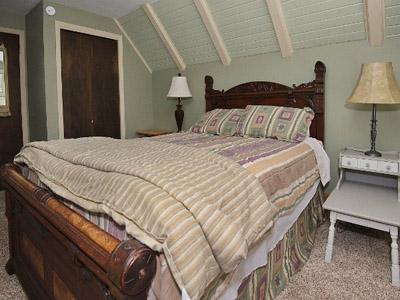 Private Queen Bedroom  - Queen Bed, Upper Level