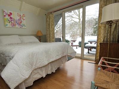 Private Queen Bedroom - Queen Bedroom, Lower level