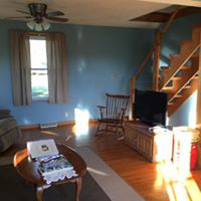 Pleasant View Cottage Living Room  - The living room of our Pleasant View Cottage. Sate TV with DVD  DirecTV
