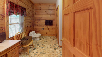 Full Bath Room - Includes Towels,Linens and toilet paper