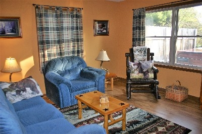 Patriot Living Room - Cozy and comfortable place to visit.