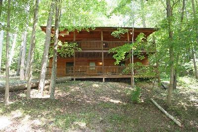 Hill Side - Includes 4 bedrooms, 2 baths, pool table, wood burning fireplace and more!