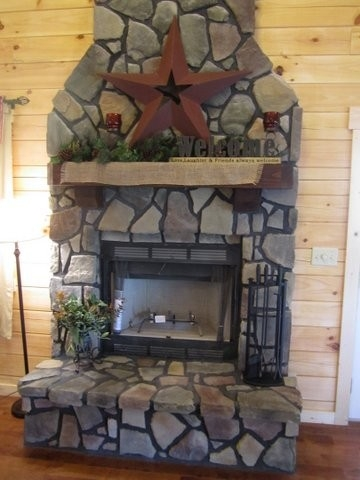 Cabin fireplace - Indoor woodburning fireplace