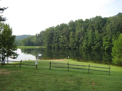 Holiday Haven lake - Small lake for fishing and swimming