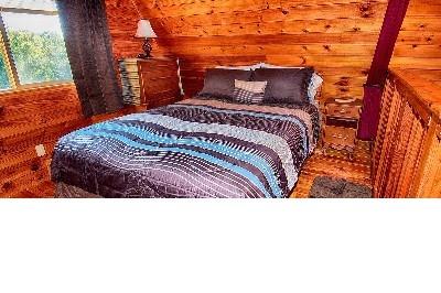 Wild Dove. - Loft Bedroom.