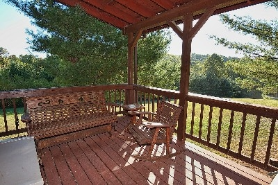Wild Dove. - Amish Deck Furniture.