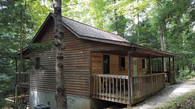 Wyandot Cabin - the cabin is located on 30 acres in between two hollows and state forest.  you can hike to 21 Horse Cave in 30 minutes from the cabin.  It is worth the visit!