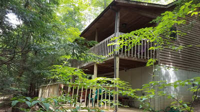 Wyandot back decks - There are two back decks at Wyandot, one on ground level and one second floor.  Views are amazing from both. Hot tub is located on the lower deck.