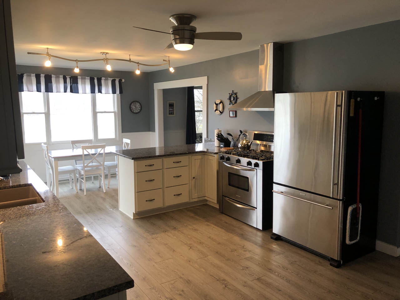 - Large, well-appointed kitchen with high end appliances and amazing views of the lake.