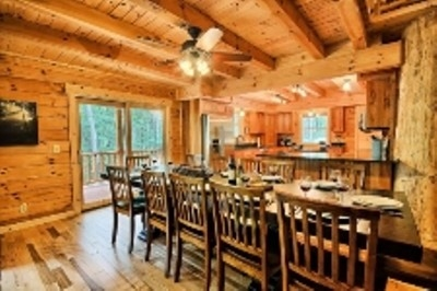 Vanderbuilt Lodge - Dining room with seating for 12