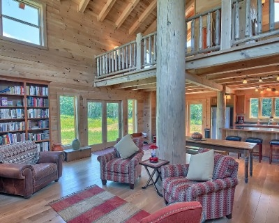 The Barn at Pumpkin Ridge - 1st floor great room with library