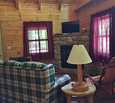 Acorn Cabin - Living room