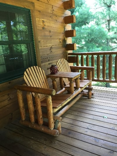 Dogwood Cabin - Front porch