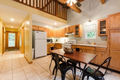 The Cottage kitchen - The fully equipped kitchen sorry no dishwasher has just about everything you need to create fabulous meals.
