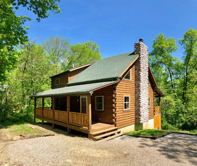 Bobcat Bluff Hocking Hills - 8 Person Hocking Hills log cabin, pet friendly and centrally located to all the trails!