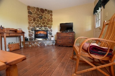 Gas Log Fireplace - Warms up the cabin quick
