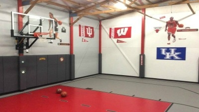 Basketball Room 30x40 - This room is amazing. Under air and Heat.