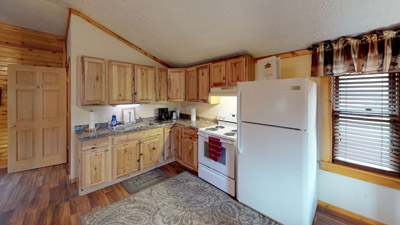 Sandy Run Kitchen - Kitchen comes equipped with all the amenities and appliances you need for a getaway. Just bring food!