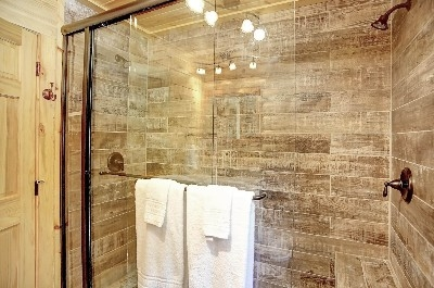 Photo 2032_4892.jpg - Large walk-in shower with double shower heads