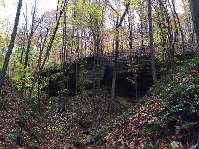 Rock Formations - Enjoy gorges, creeks and seasonal waterfalls on our own private 0.5 mile hiking trail
