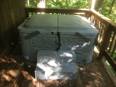 Soak your tired body - Brand new Hot Tub. Come relax and enjoy the sounds of nature.