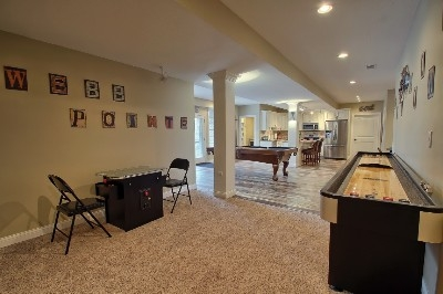 Game Room - Pool Table, Poker Table, Shuffleboard, Arcade Game