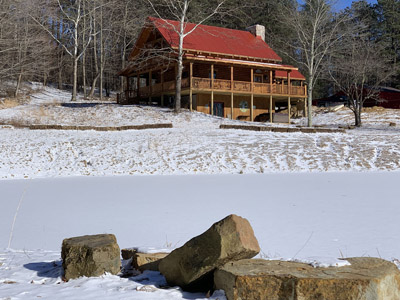 Hawking Pond Cabin - Even when Hawking Pond is frozen it