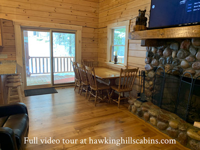 Hawking Pond Cabin - Dining area