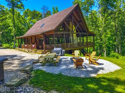 Photo 2142_6879.jpg - Front view of Honeysuckle Ridge Cabin