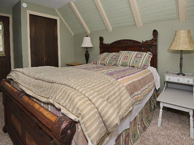 Private Queen Bedroom  - Queen Bed, Upper Level