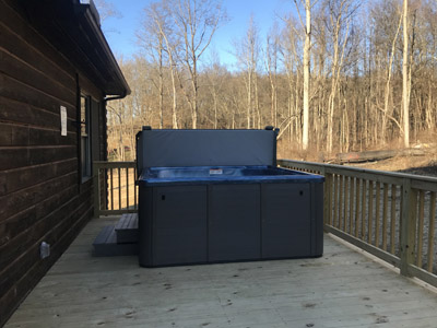 Hot Tub/ Large Party Deck - Enjoy the six person Hot Tub on the large 30ft X 14ft back deck. Where you can relax and enjoy the natural surroundings